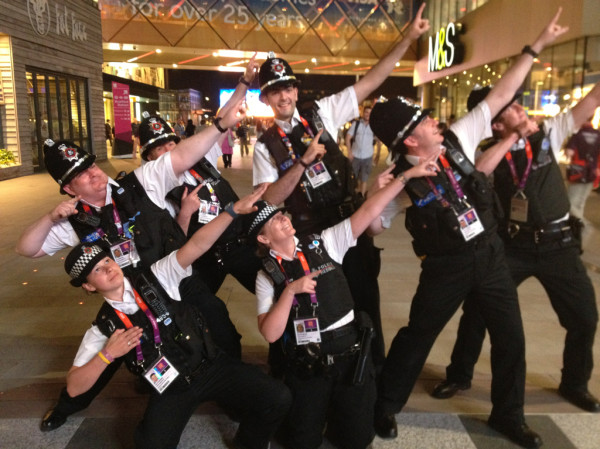 @HonestFrank: Police officers near Olympic Stadium give their own Usain Bolt tribute #bbc2012